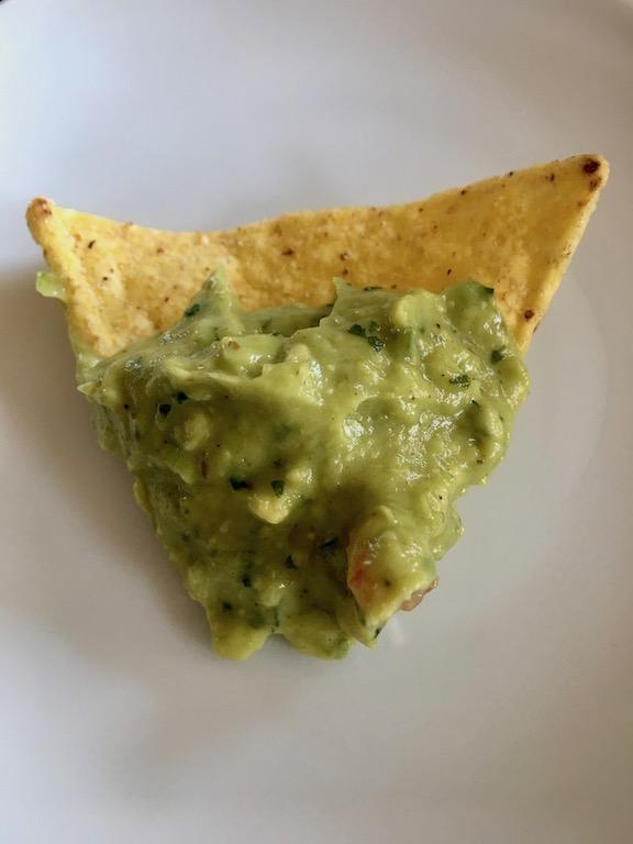 Guacamole auf Tortilla-Chip