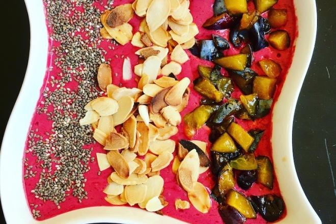 Smoothie - Beeren-Spinat-Schoko-Smoothie - grüner Smoothie - Obst - Gemüse - - Frühstück - einfach - gesund - Rezept - Beeren - Schoko - Joghurt - Smoothie Bowl