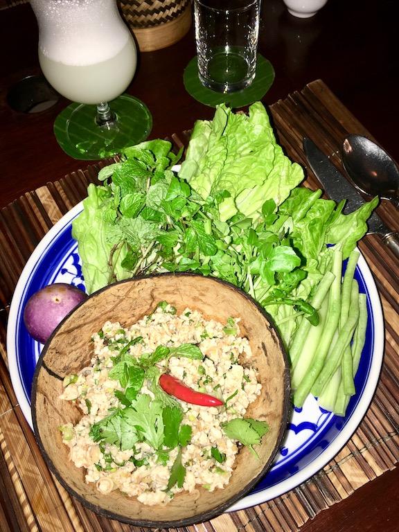 Tipps & Infos: Laotische Küche: Salat aus gehacktem Fleisch, Kräutern und Minze (Koy, Laap, Larp)