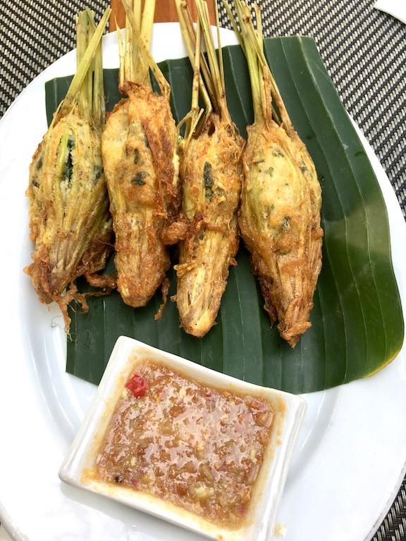 Tipps & Infos: Laotische Küche: Zitronengras, gefüllt mit Erdnuss-Dip (Oua Si Khai & Jeow Som)