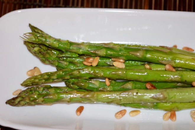 Rezepte: Beilagen: Grüner Spargel aus dem Ofen