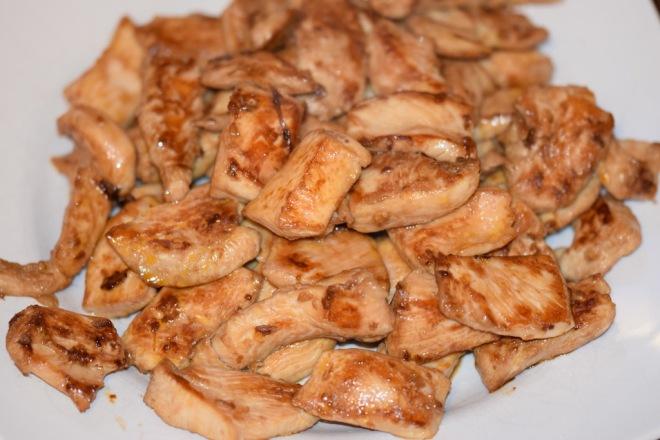 Rezepte: Hauptgerichte: Asiatisches Chili-Paprika-Hühnchen: angebratene Hühnchenteile