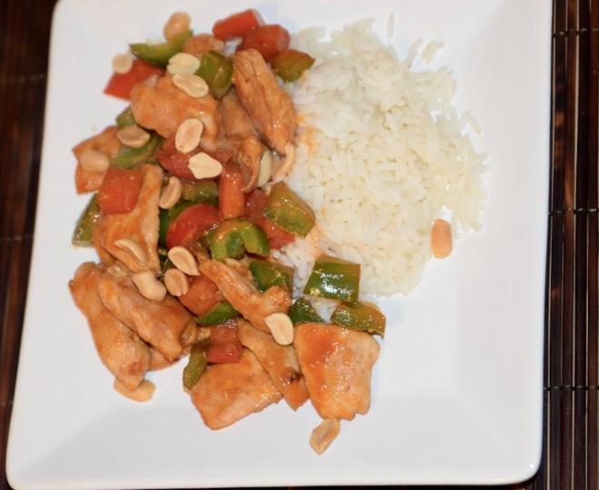 Rezepte: Hauptgerichte: Asiatisches Chili-Paprika-Hühnchen auf Teller