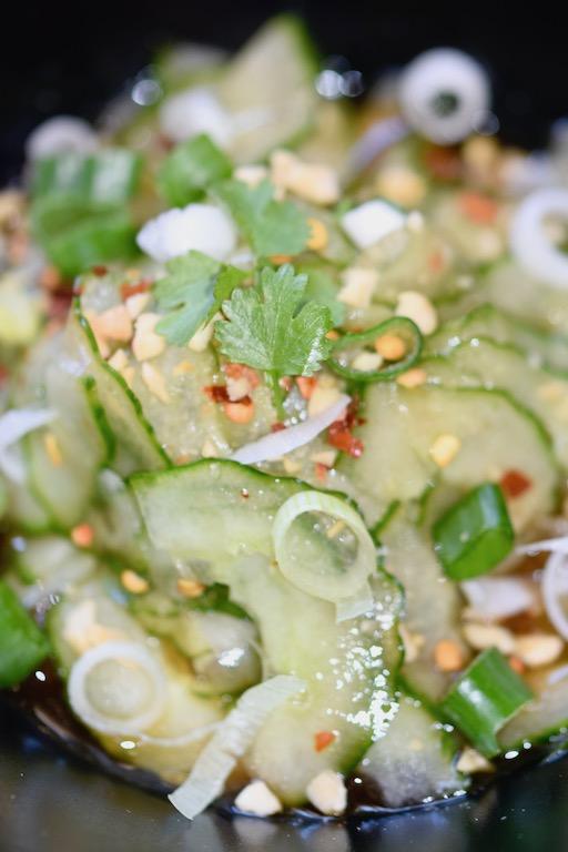 Rezepte: Salate & Dressings: Thai-Gurkensalat - hochkant