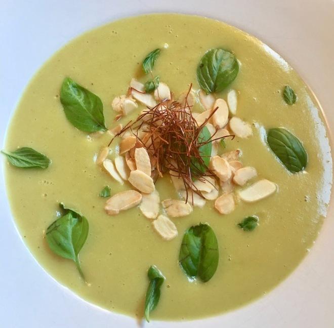 Rezepte: Suppen & Eintöpfe: Zucchini-Cremsuppe aus dem Slowcooker - vegan