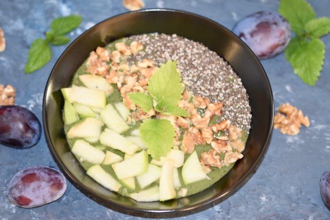 herbstlicher Pflaumen-Smoothie mit Zimt - Pflaumen - Zimt - Smoothie - Banane - grüner Smoothie - Rezepte - Zwetschgen - abnehmen - Smoothie Bowl - Herbst