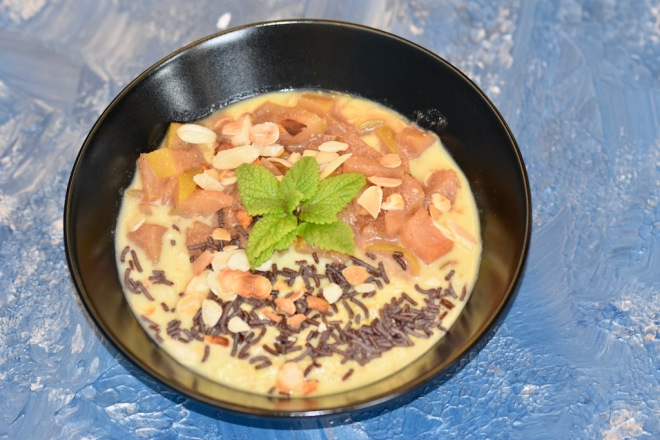 Overnight-Oats - Haferflocken - Kurkuma - Apfelkompott - abnehmen - schnelles Frühstück - gesundes Frühstück - sättigendes Frühstück - glutenfrei - vegan - Rezept - warmes Frühstück