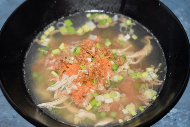 vietnamesische Hühnersuppe - Pho Ga - asiatische Hühnersuppe - Suppe - Rezept - klare Hühnersuppe - mit Zitronengras - mit Reisnudeln - vietnamesische Nudelsuppe mit Huhn - glutenfrei - milchfrei