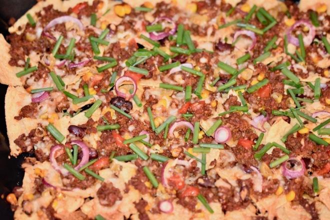 Nachos - mexikanisches Fingerfood - Snack - Taco-Chips - mexikanische Küche - Käse - überbacken - Hackfleisch - Sauce - einfach - selber machen - Rezept