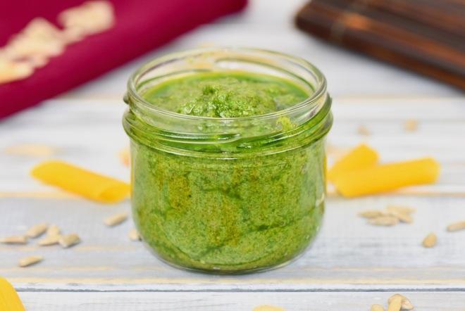 Bärlauchpesto - vegan - Rezept - mit Mandeln - mit Sonnenblumenkernen - einfach - schnell - selber machen - Pesto - für Spaghetti - für Nudeln - für Brot - Frühling - Bärlauch