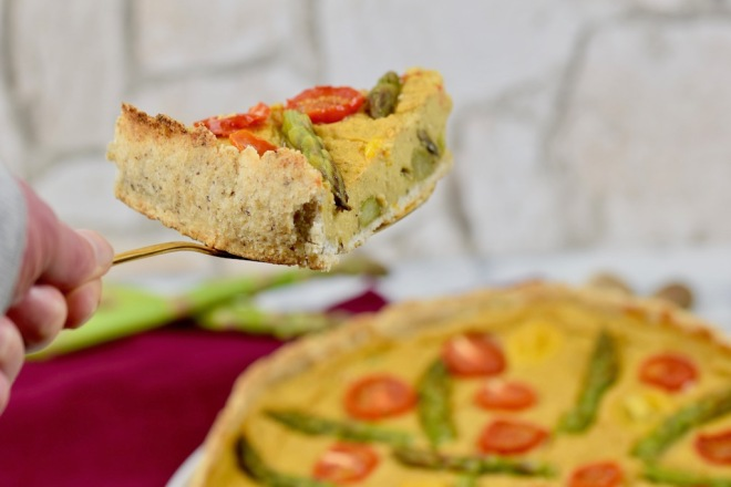 Gemüse-Quiche mit grünem Spargel