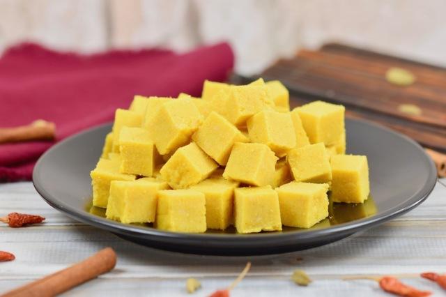 Burmesischer Kichererbsen-Tofu (Shan-Tofu)