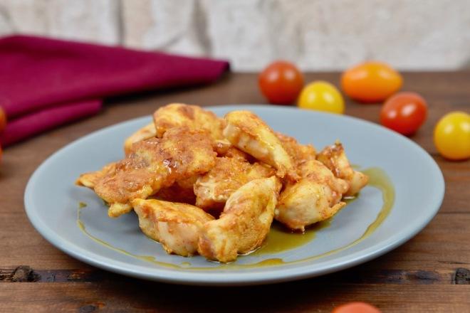 knusprige Hähnchen-Tapas mit Honig-Senf-Sauce - Hähnchen-Tapas - Tapas - Geflügel - warme Tapas - Rezept - glutenfrei - spanische Tapas - einfach - schnell - Huhn - Snacks - Party