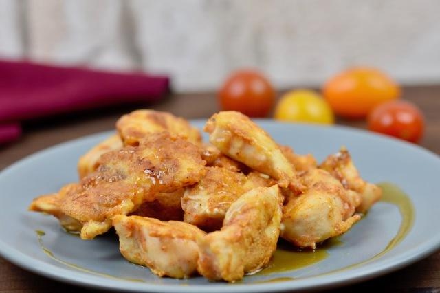 Knusprige Hähnchen-Tapas mit Honig-Senf-Sauce