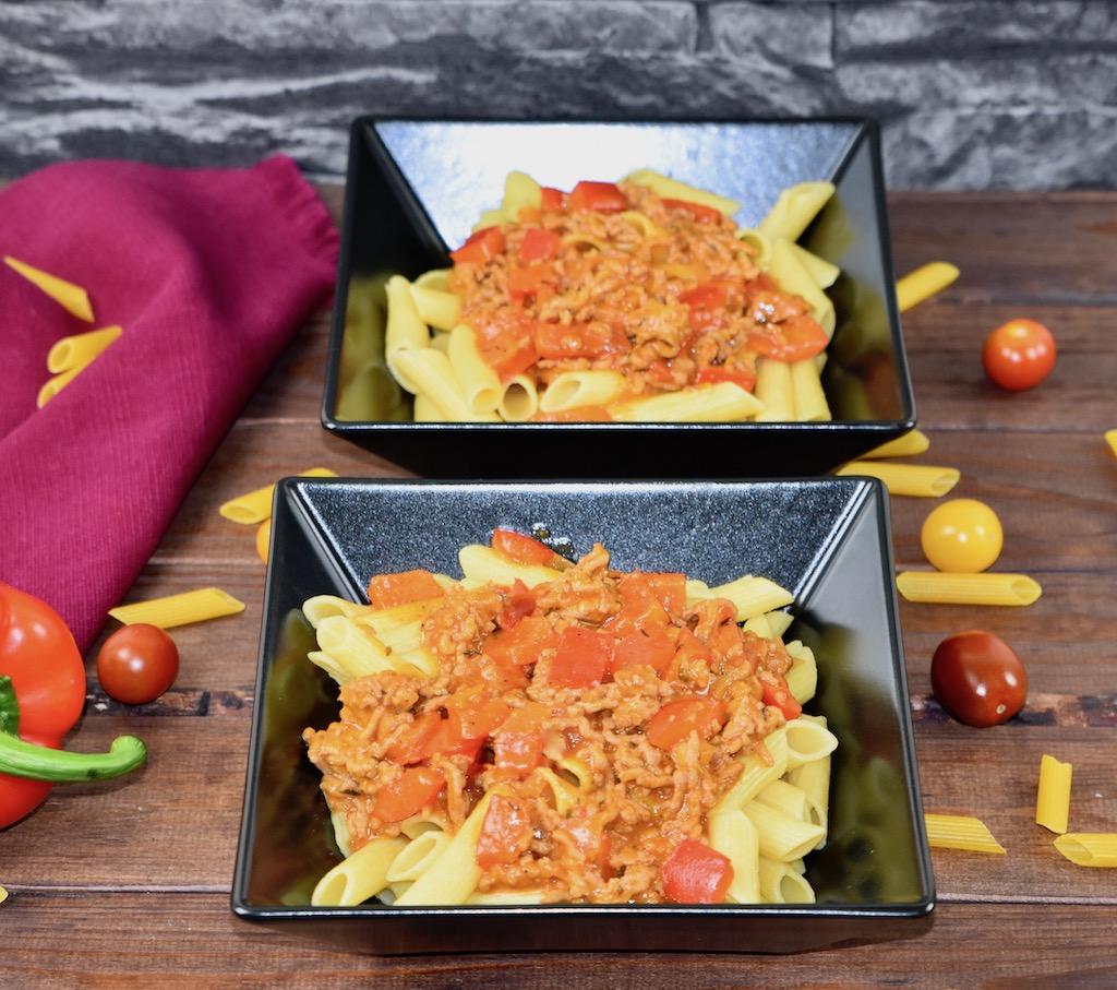 Paprika-Hackfleisch-Pfanne mit Nudeln